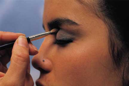 Eye Makeup Tip: Add Depth to Your Eyes!