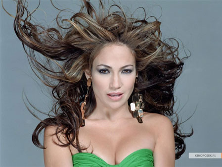 Jennifer Lopez diamond face shape
