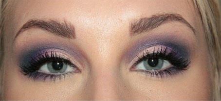 Purple eye shadows for blue eyes
