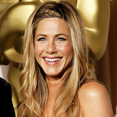 Jennifer Aniston bangs braid
