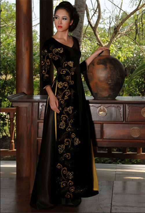 black and gold ao dai