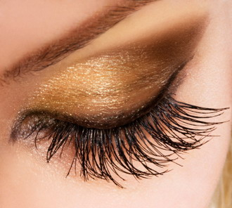 Growing Longer Thicker Eyelashes Naturally