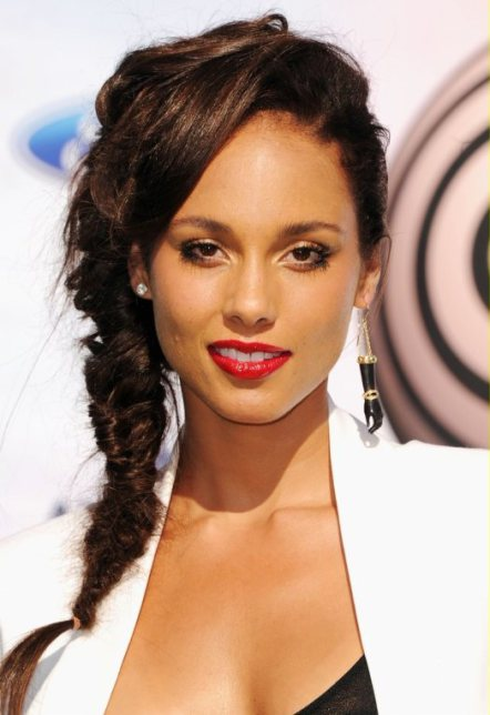Alicia Keys side braided hairstyle 2011